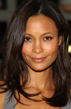 LA Stylelist Sedu styles are simple lovliness - Zoe Saldana